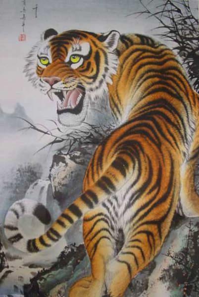 射るような目つき。恐ろしい眼力ですね。虎の掛け軸 高級美術印刷 月下の虎